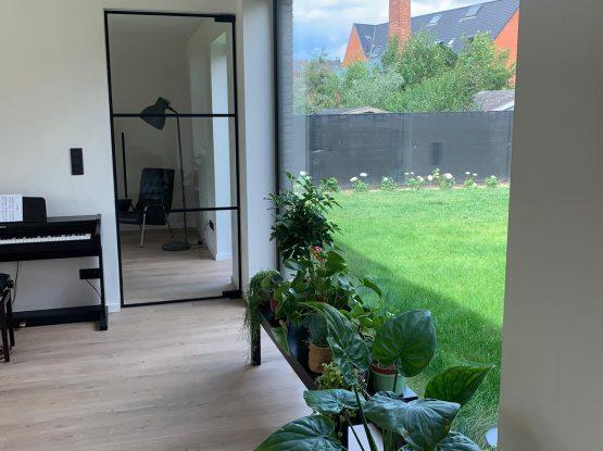 Steellook deur met horizontale onderverdeling